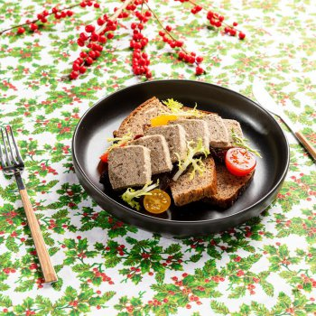 Goose pâté with creanberries, fruit and vegetable chutney, bread