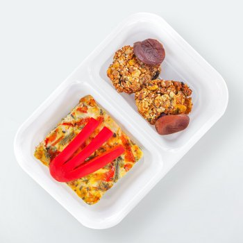 Spanish omelette with vegetables, sugar-free LightBox cookies, dried fruit