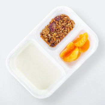 Yogurt with gingerbread granola
