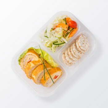 Pancake rolls with chicken, mixed vegetables, wholemeal rusks