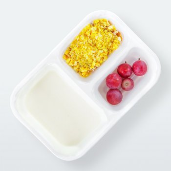 "Yogurt with ""Citrus Flavour"" muesli"