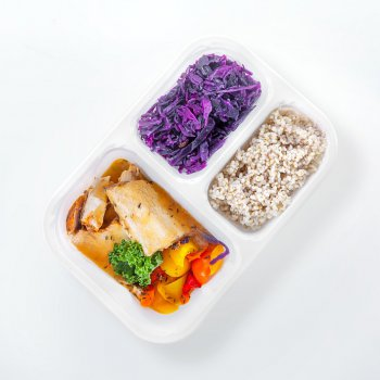 Roast turkey with peppers and thyme, red cabbage with apples, barley groats