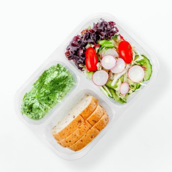 Green cottage cheese spread, mixed vegetables, bread